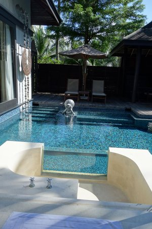Anantara Mai Khao Phuket Villas: View from the bathroom showing the outdoor bathtub adjacent to the pool