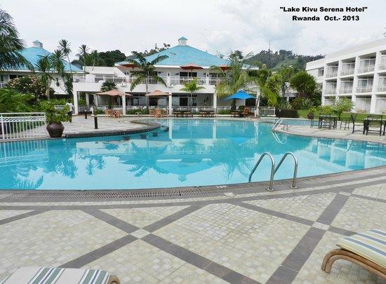 Lake Kivu Serena Hotel: Piscina del hotel