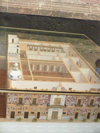 Museum of the City of Mexico (Museo de la Ciudad de Mexico): Otra vista de la maqueta del Museo (desde arriba ángulo inverso)
