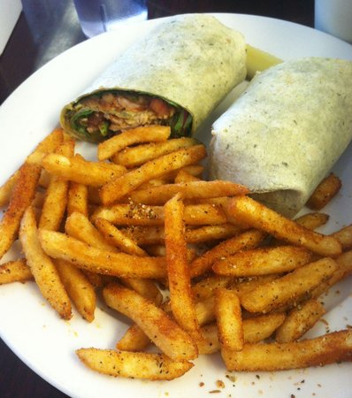 Jack's Cafe: Santa Fe lunch special with Cajun fries