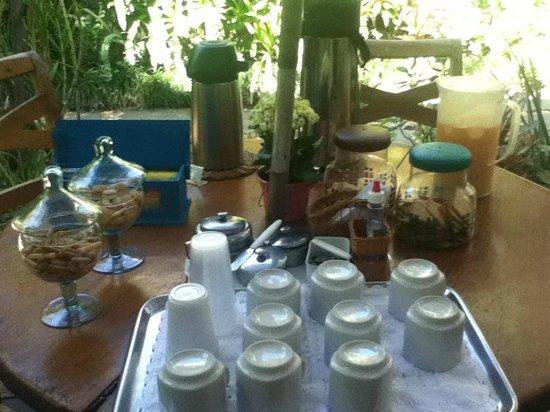 Pousada Riacho dos Cambucas : Mesa do café da tarde
