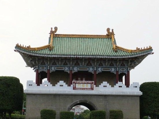 East Gate: 東門正面