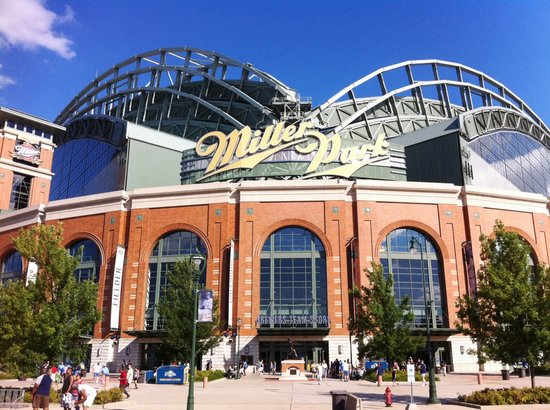 BEST WESTERN Milwaukee West: Enjoy a game at Miller Park across the road from the hotel