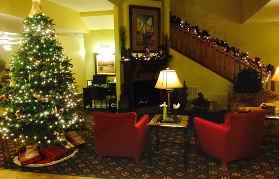 GrandStay Residential Suites Hotel - Sheboygan: Christmas 2013 at the GrandStay!