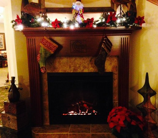 GrandStay Residential Suites Hotel - Sheboygan: Waiting for Santa to come down in 2013!