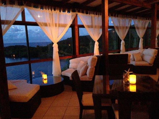 Ti Kaye Resort & Spa: The bar <3