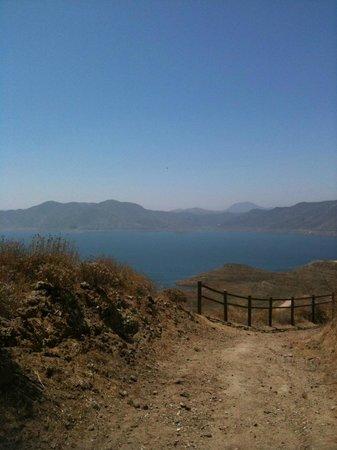 Diamond Valley Lake: Diamond Vally Lake from a trail