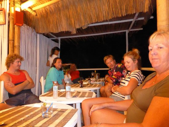 Artista Beach Villas: Some of the hotel guests we shared company with from Spain