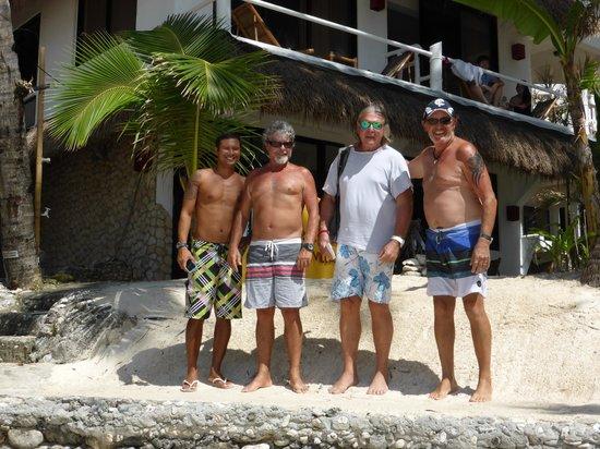 Artista Beach Villas: The boys
