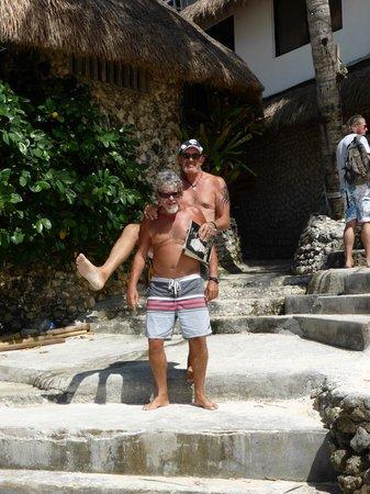 Artista Beach Villas : Steve and Johnny