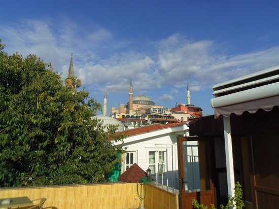 Esans Hotel : View towards Blue Mosque from Rooftop Terrace