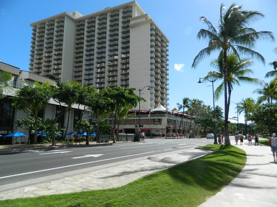 Aston Waikiki Beach Hotel: The hotel taken from on Waikiki Beach