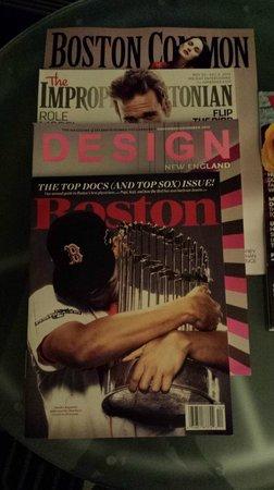 Kimpton Nine Zero Hotel: Magazine selection made me feel at home... go Sox!