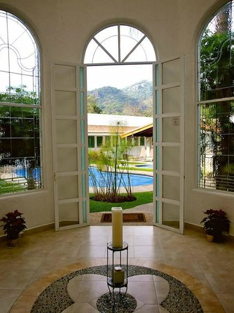 El Grullo de Tepoztlan: Looking out toward the pool & the Yoga pavilion