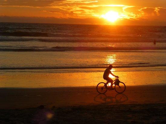 La Marejada Hotel: Playa Grande sunset