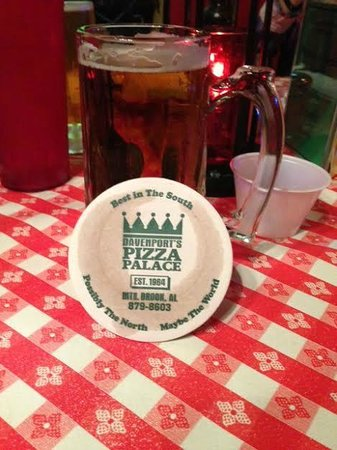 Davenport's Pizza Palace: Cold Beverages are good and cold!