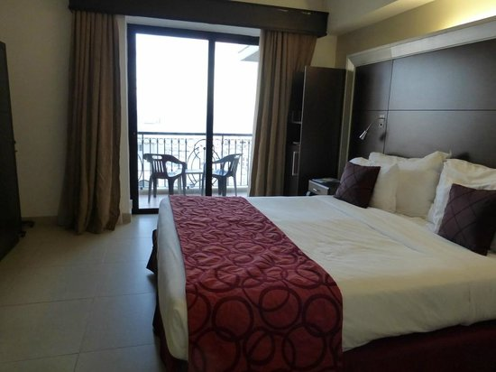 The Palace : Room 551