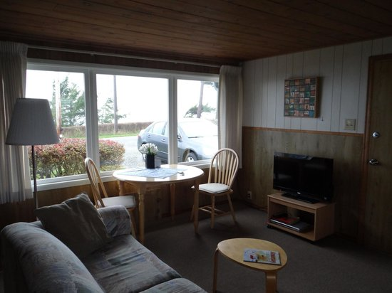 Dungeness Bay Cottages: Sitting area