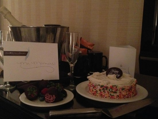 Omni Interlocken Hotel : Birthday Cake