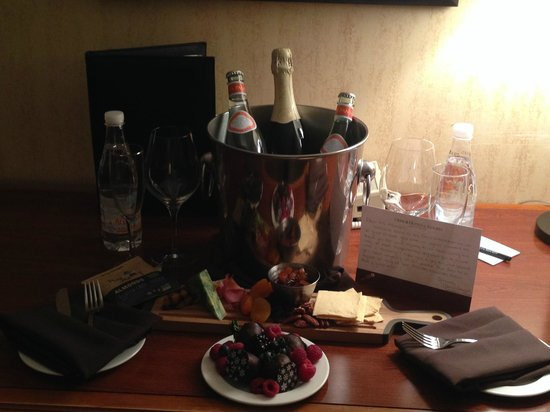 Omni Interlocken Hotel : Charcuterie and Cheese Plate