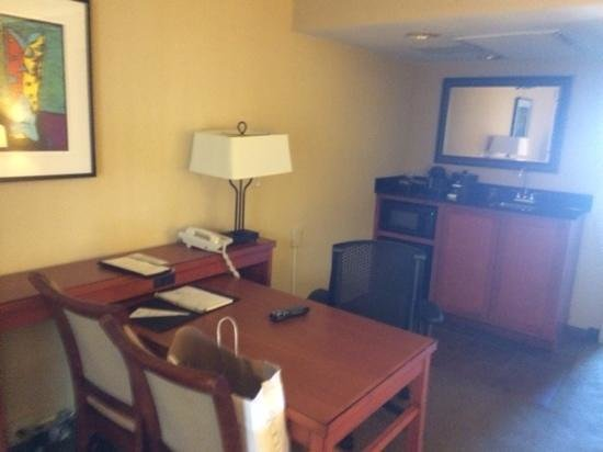 Embassy Suites by Hilton San Antonio - NW I-10: microwave, small fridge and desk area