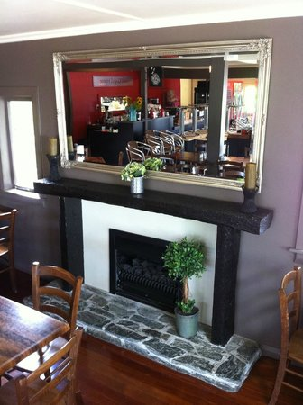 Cafe Coghill House: Cafe | Gifts | Flowers