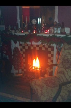 Rothesay House Heritage Inn Bed & Breakfast: Sitting room, beautiful!!!