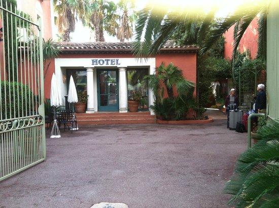 Hotel L'Aréna : Hotel entrance