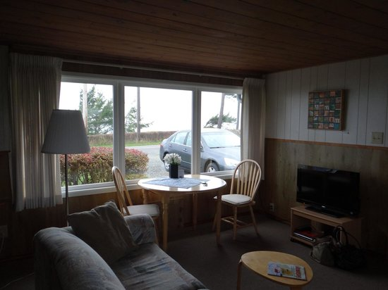 Dungeness Bay Cottages: Looking out of cottage #2
