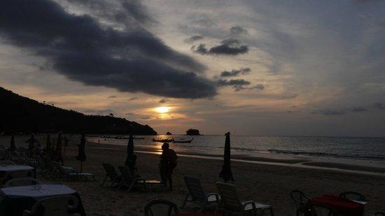 Nai Yang Beach: A great sunset as well