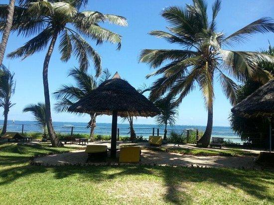 Sarova Whitesands Beach Resort & Spa: the greenery