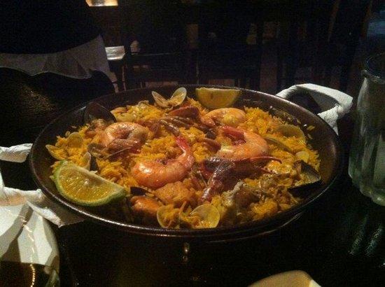 Sabor Espanol: Sea food paella for 2
