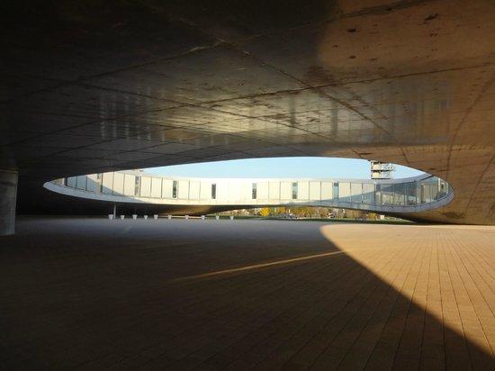 Rolex Learning Center EPFL : 中庭