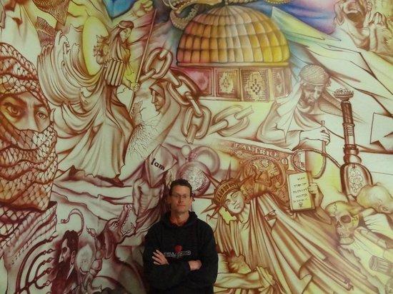 US Den of Espionage: Staircase murals