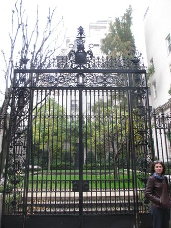 The Frick Collection : The gate