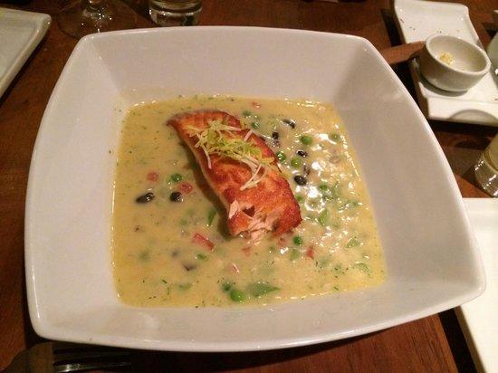 Torano Restoran : Exquisito salmón