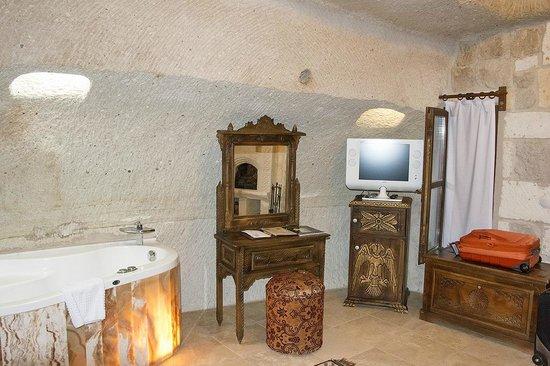 Gamirasu Cave Hotel: HOTEL BEDROOM