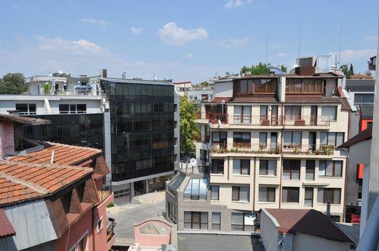 Bright House Apartments : Вид