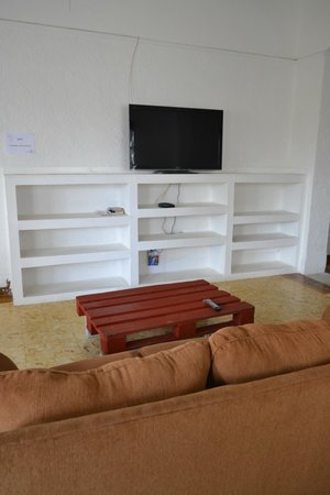 San Francisco Inn Hostel Panama: Living room