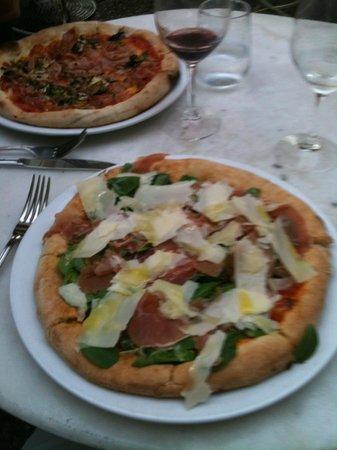 Non Solo Pizza: prosciutto crudo e rucola pizza a delight