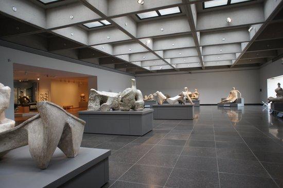 Musée des beaux-arts de l'Ontario : Henry Moore