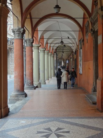 Aemilia Hotel: One of Bologna's famous and distinctive colonnaded walkways
