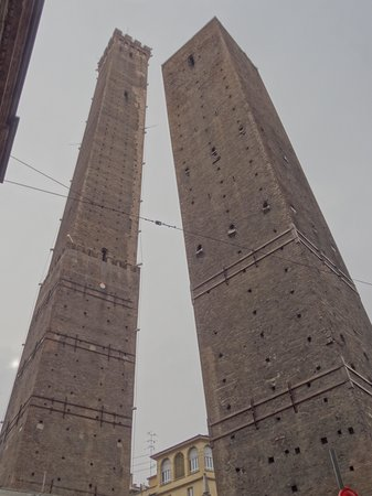 Aemilia Hotel: I Due Tori (the Two Towers) symbol of Bologna