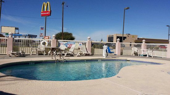 Days Inn Fort Stockton: La piscina del Days Inn