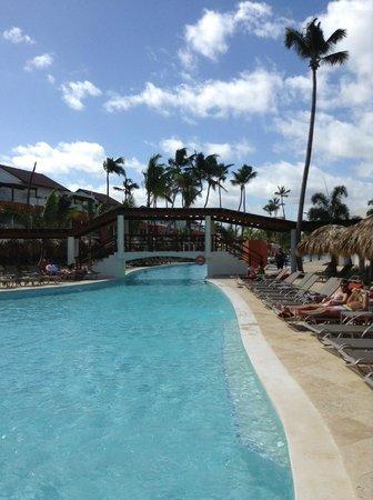 Breathless Punta Cana Resort & Spa: Pool near the beach