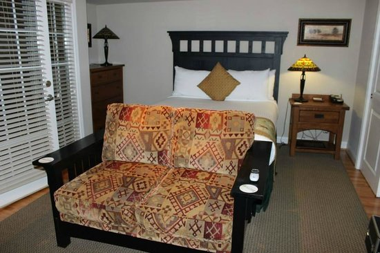 The Residences at Biltmore: Bed
