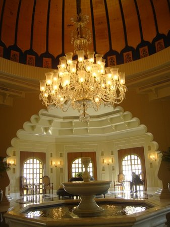 The Oberoi Udaivilas: Lobby