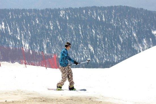 Красная Поляна (Горный кластер): Солнце.. Май.. Горы.. Сноубордист..