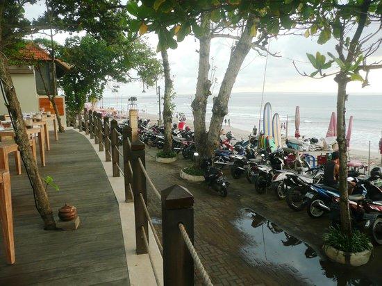 Bali Food Safari -Tur Makan Malam Pribadi