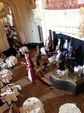 Grand Hotel Bohemia: モーツァルディナー